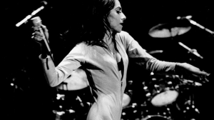 MEMORY LANE: PJ Harvey @ Bataclan, Paris, France 25/04/1995