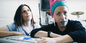 Συνέντευξη: Χρύσα Τσαλταμπάση (Spineless) & Irene Ketikidi - 2 σε 1, νοικοκυρεμένα